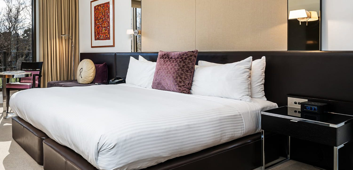 royce-hotel-melbourne-deluxe-room-with-balcony | Royce Hotel Melbourne
